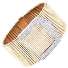 18 Karat Yellow Gold Wide Pavé Diamond Buckle Bracelet