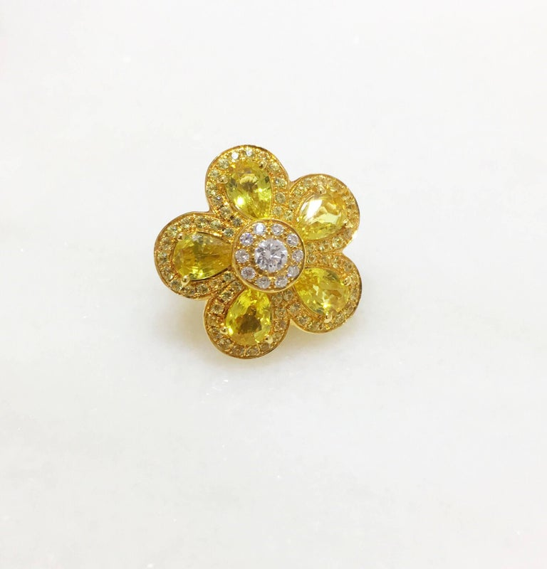 Women's or Men's 18 Karat Yellow Gold, Yellow Sapphire Flower Earring For Sale
