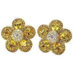 18 Karat Yellow Gold, Yellow Sapphire Flower Earring