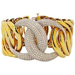 18 Karat Yellow/White Gold 5.91 Carat Pave Diamond Double Crescent Link Bracelet