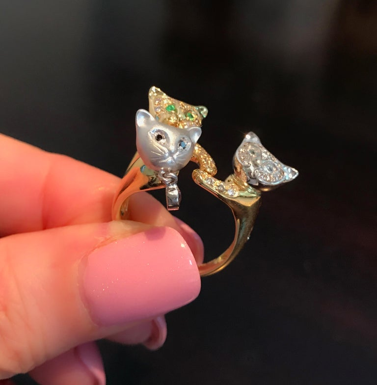 18 Karat Yellow and White Gold Diamond and Gemstone Set Cat Lovers Cocktail Ring For Sale 11