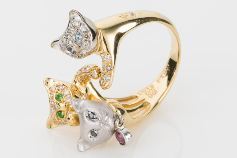 18 Karat Yellow and White Gold Diamond and Gemstone Set Cat Lovers Cocktail Ring For Sale 1