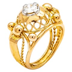 18 Karats Yellow Gold Lace Tank Ring with a Diamond