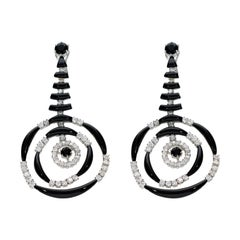 18 Kt Gold Earrings with Diamonds and Onyx