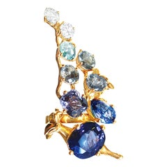 18 Kt Gold Engagement Ring with 5.23 Carat GRS Certified Royal Blue Sapphire