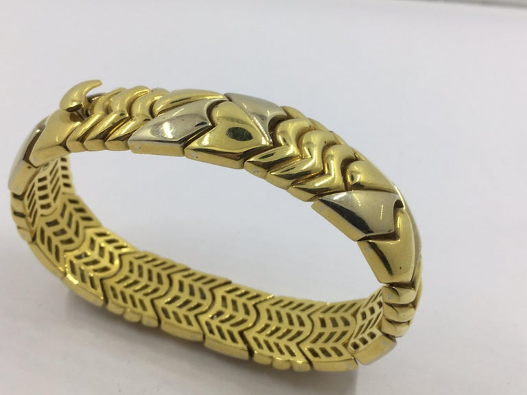 18 Karat White and Yellow Gold Bracelet For Sale 1