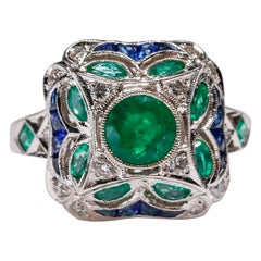 18 Kt White Gold 1.17 Ct Diamond 1 Carat Sapphire 1.1 ct Emerald Cocktail Ring