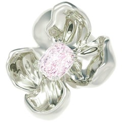 18 Karat Gold Magnolia Brooch with GIA Certified 0.8 Carat Purplish Pink Diamond