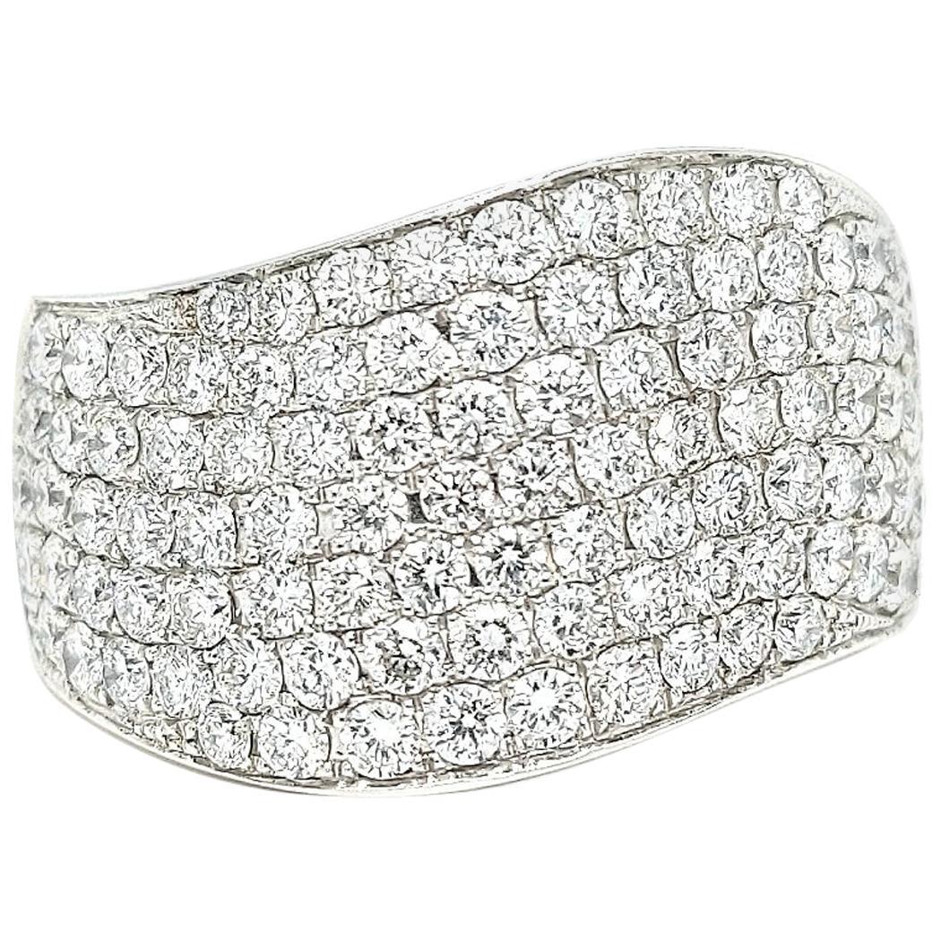 18 Karat White Gold Pavé Wave Diamond Ring with 2.6 Carat Diamonds