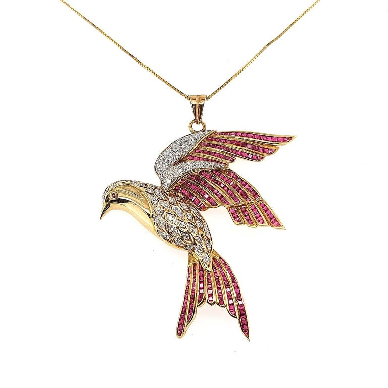 18 Karat Yellow Gold Bird of Paradise Brooch / Pendant with Diamonds and Ruby For Sale 4