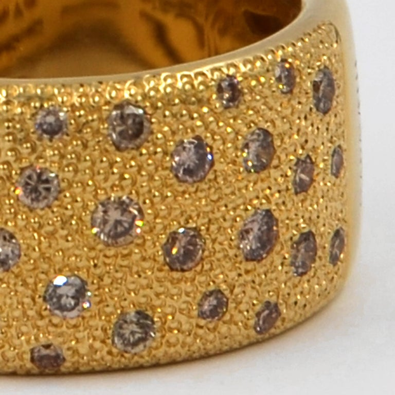 18 Kt Yellow Gold Brown Diamons Garavelli Flat Band Ring , with scattered stones on a hand hammered gold surface. Finger  size 56 GOLD  : 16.20 BROWN DIAMONDS ct : 0.96