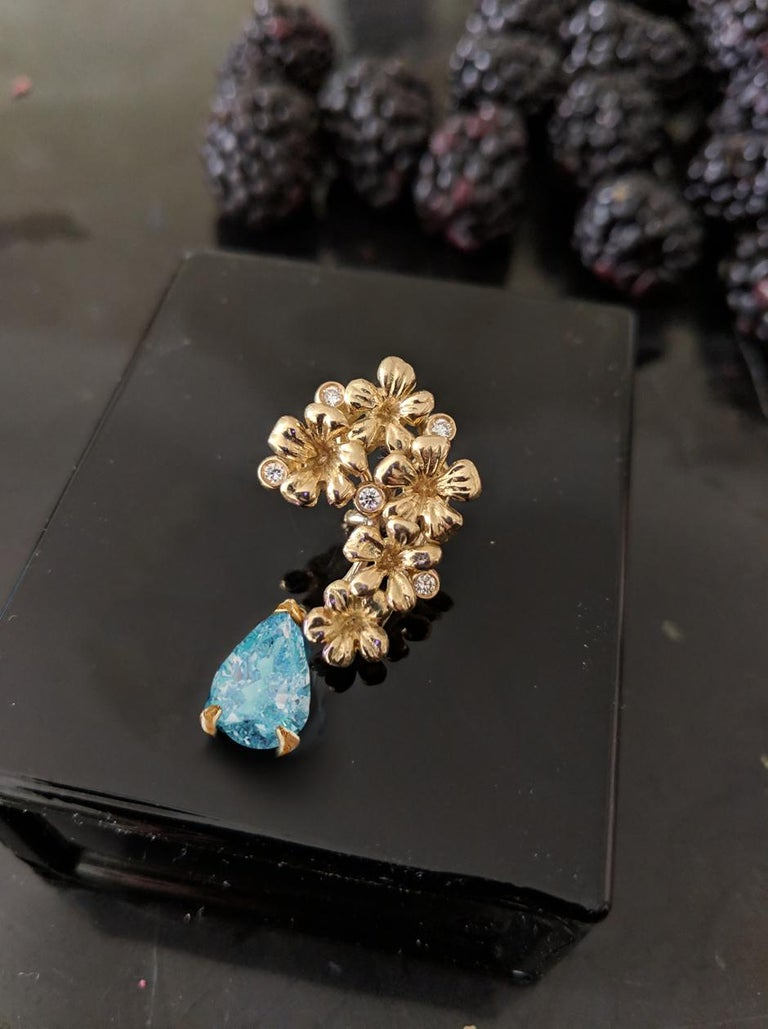 Women's or Men's 18 Karat Gold Cocktail Earrings with Diamonds and Blue Paraiba Tourmalines For Sale