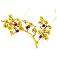 18 Karat Yellow Gold Heliotrope Necklace by the Artist, Spinel's and Diamonds