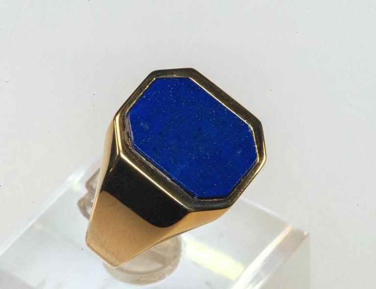 Women's or Men's 18 Karat Yellow Gold Lapis Lazuli Ring For Sale