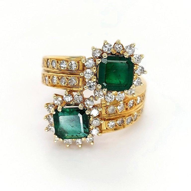 18 Karat Yellow Gold Toi et Moi Colombian Emeralds, Diamond Ring For Sale 8