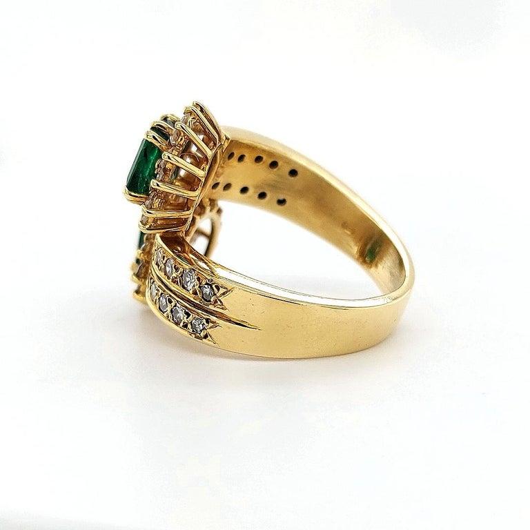 18 Karat Yellow Gold Toi et Moi Colombian Emeralds, Diamond Ring For Sale 2