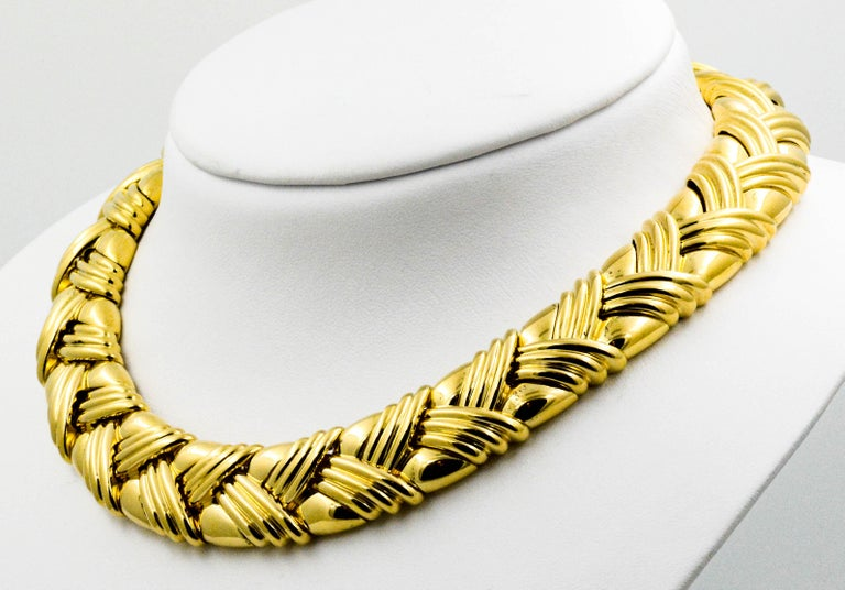 18 Karat Yellow Gold Basket Weave Collar Necklace For Sale 3