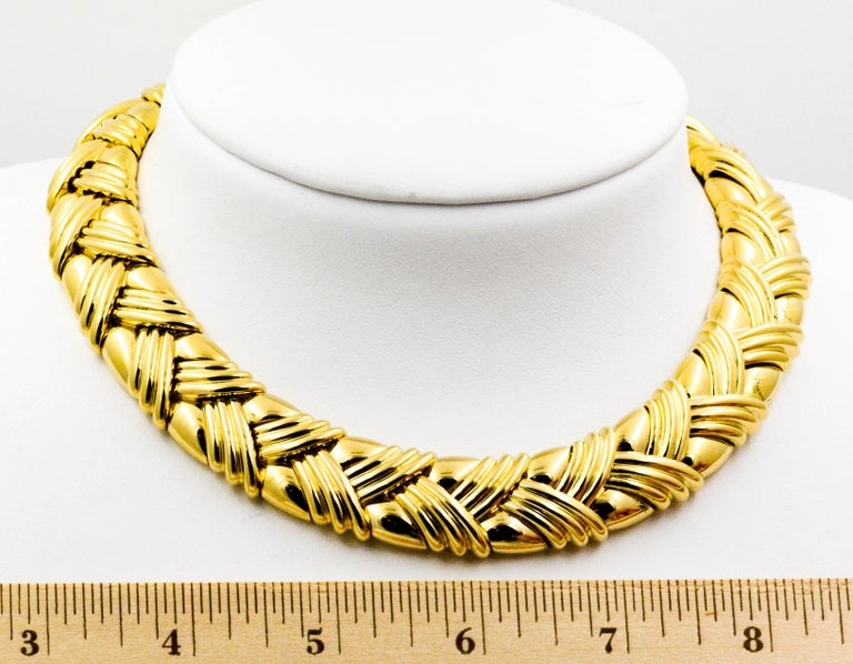 18 Karat Yellow Gold Basket Weave Collar Necklace For Sale 4