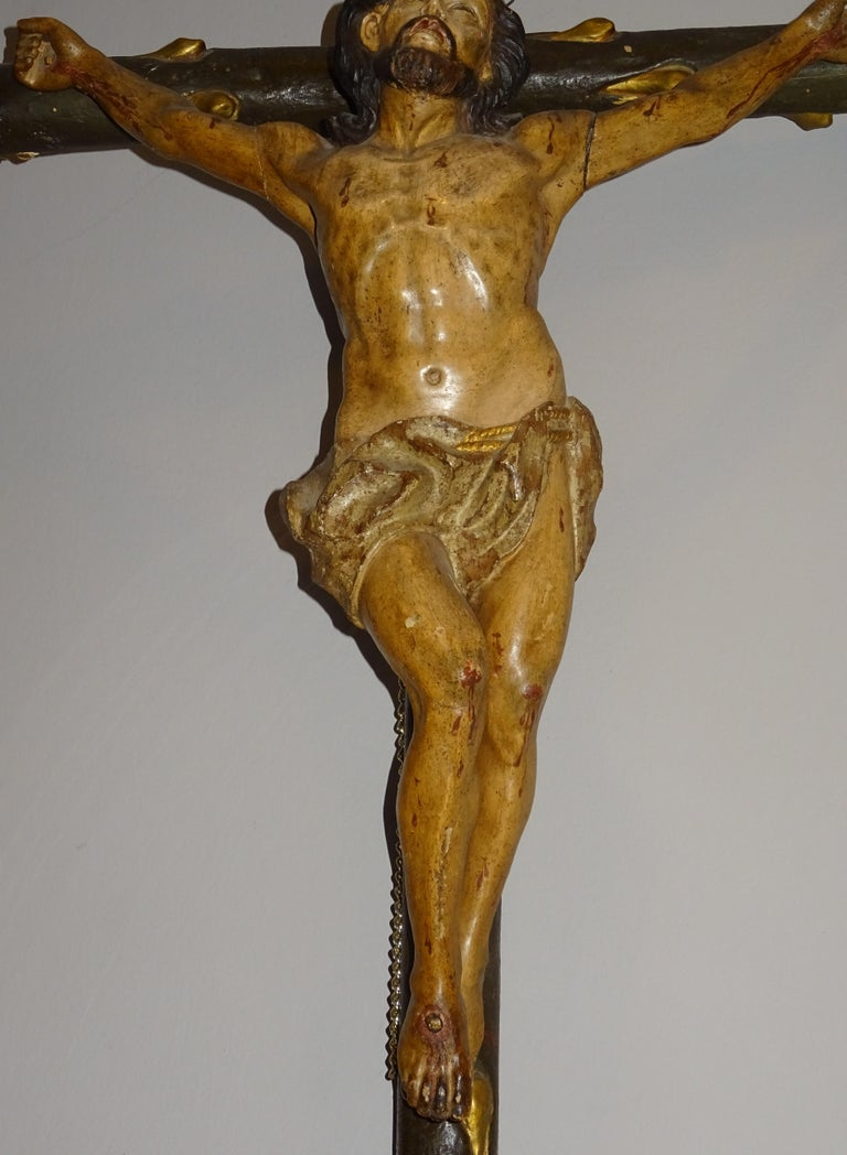 18th Century Hispanic Filipino Carved Wood Sculpture of Crucified Christ In Good Condition For Sale In Valladolid, ES