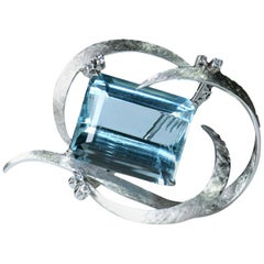 18 White Gold Aquamarine and Diamond Brooch