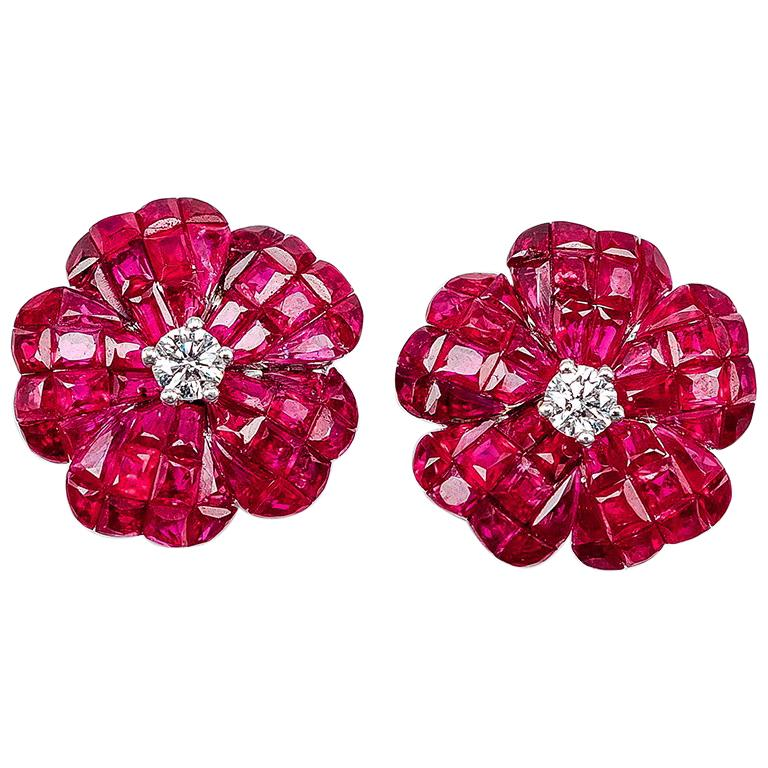 18 white gold flower Ruby invisible Stud Earrings For Sale