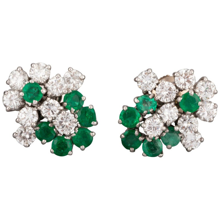 1.80 Carat Diamonds and 1.20 Carat French Emeralds Earrings For Sale