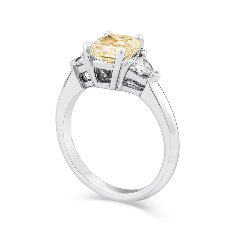 Radiant Cut 1.80 Carat Total Radiant Diamond 'GIA', Three-Stone Diamond Ring For Sale