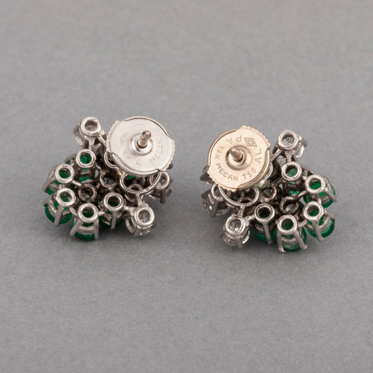 Women's 1.80 Carat Diamonds and 1.20 Carat French Emeralds Earrings For Sale