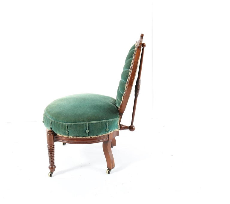 19th Century 1800s Victorian Balloon Back Accent Chair on Casters in Emerald Green Velvet For Sale