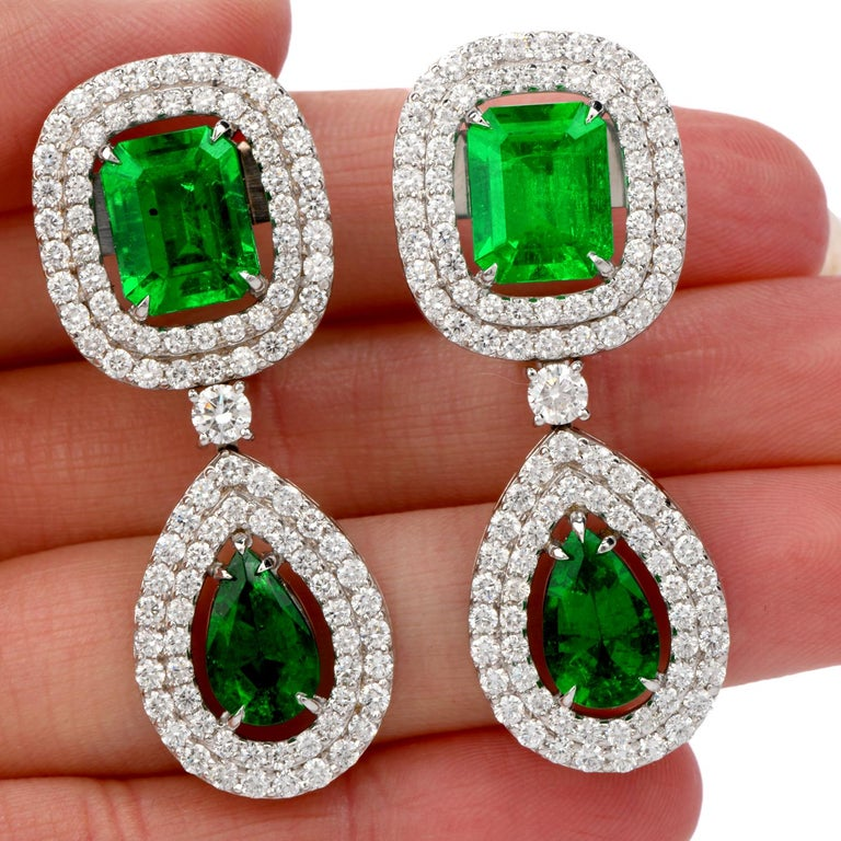 18.08 Carat Diamond Colombian Emerald 18 Karat Gold Halo Drop Earrings In New Condition For Sale In Miami, FL