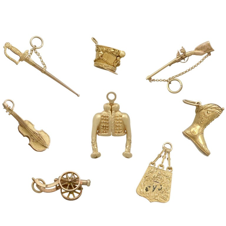 1810s Antique French Yellow Gold Bracelet Charms Napoleonic Hussar
