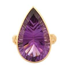 18.2 Carat Amethyst 14 Karat Yellow Gold Ring