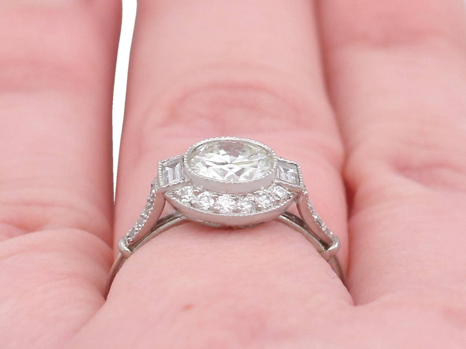1.82 Carat Diamond and Platinum Halo Ring For Sale at 1stdibs