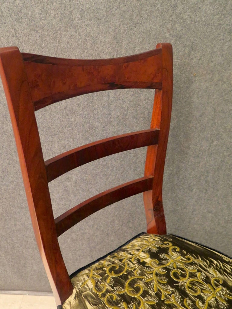 Biedermeier Walnut Wood Austrian Chair, 1820 For Sale 3