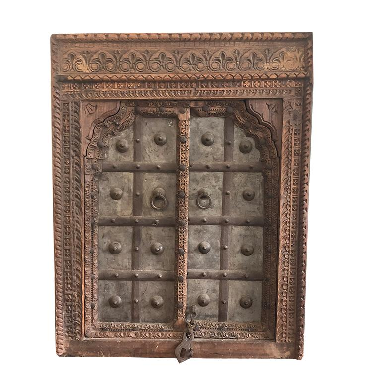 1820s Hand-Carved Middle Eastern Indian Window Salvaged from Fortress In Excellent Condition For Sale In Oklahoma City, OK