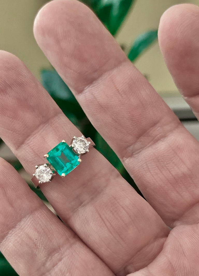 1.83 Carat Natural Colombian Emerald and Diamond Three-Stone Ring 18 Karat For Sale 5