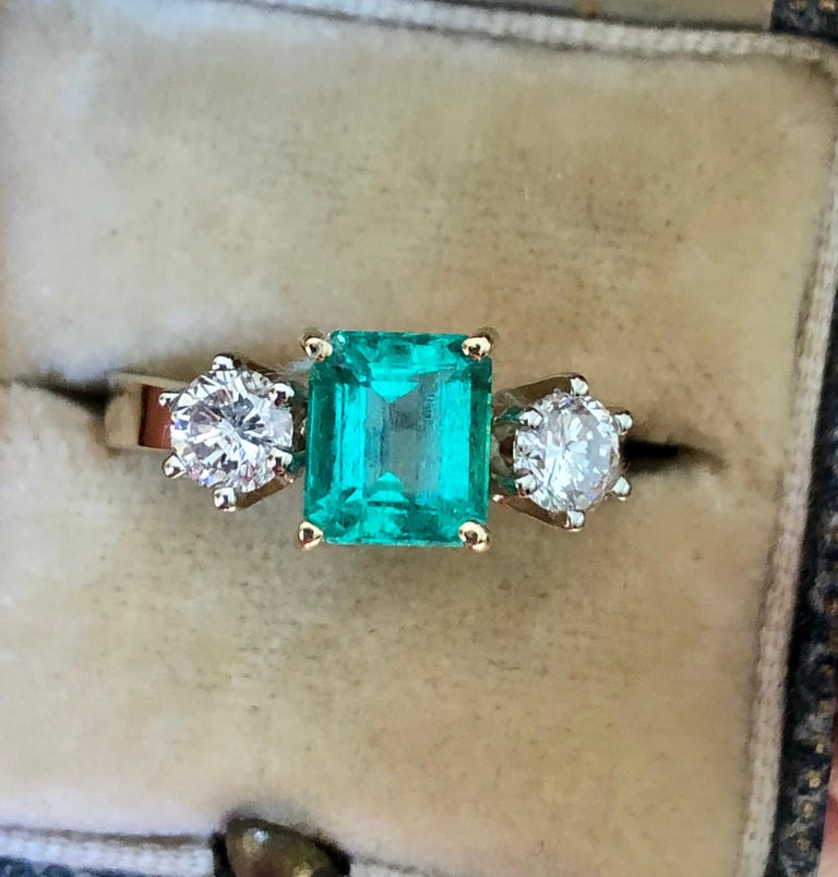 1.83 Carat Natural Colombian Emerald and Diamond Three-Stone Ring 18 Karat For Sale 6