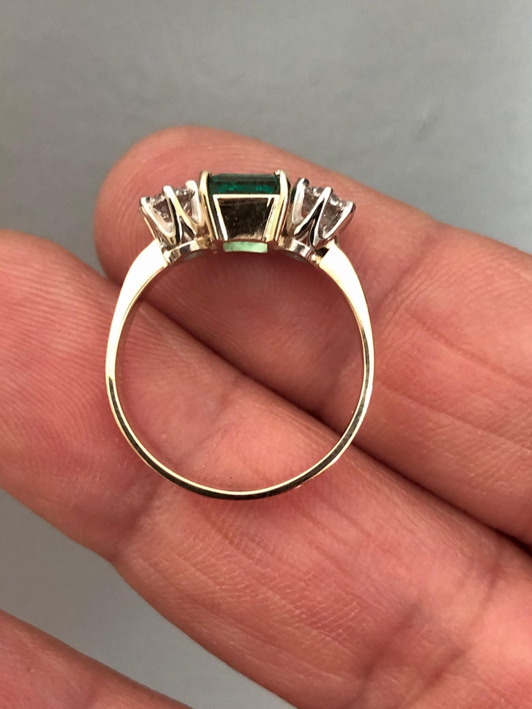 1.83 Carat Natural Colombian Emerald and Diamond Three-Stone Ring 18 Karat For Sale 7