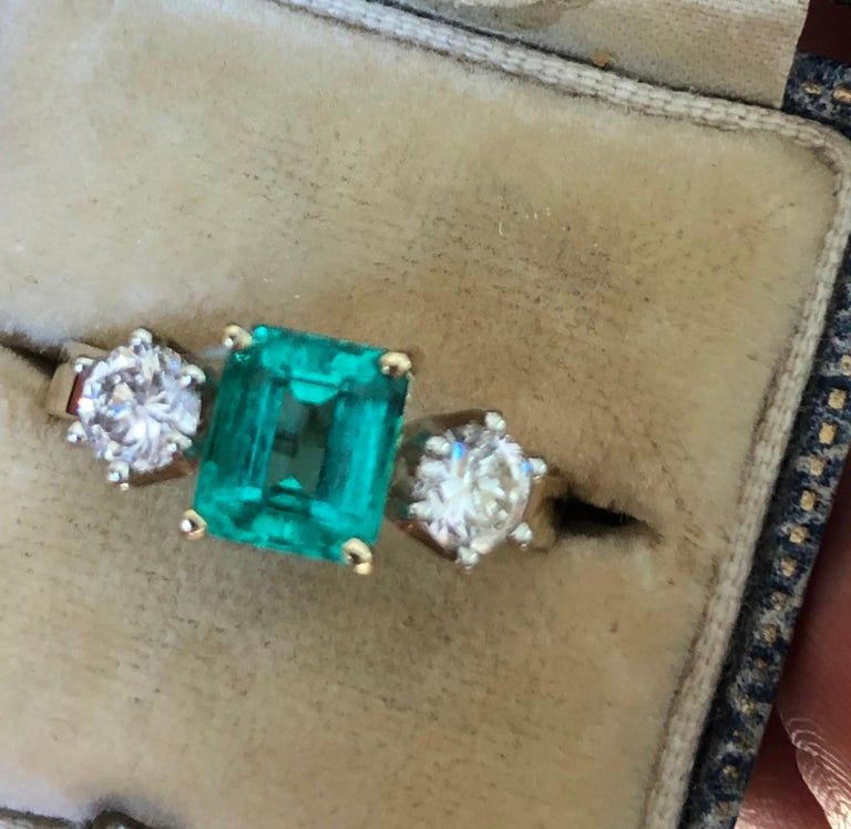 1.83 Carat Natural Colombian Emerald and Diamond Three-Stone Ring 18 Karat For Sale 9