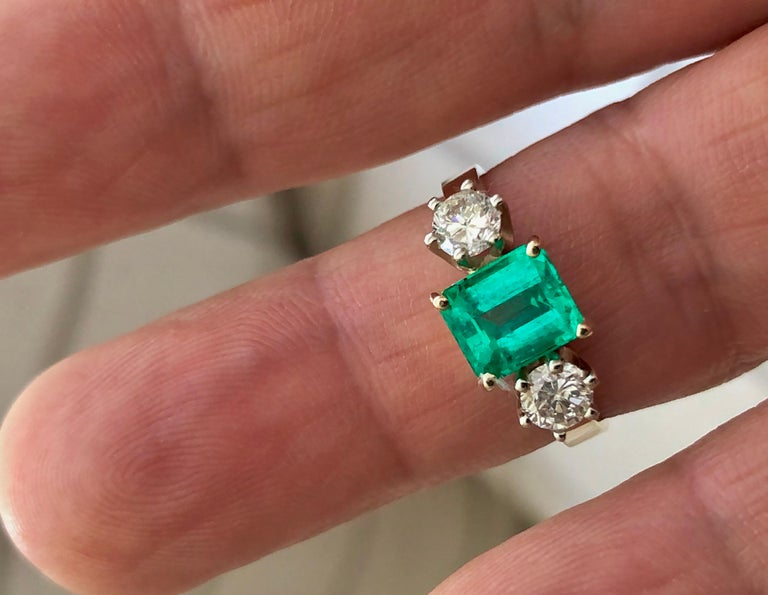 Art Deco 1.83 Carat Natural Colombian Emerald and Diamond Three-Stone Ring 18 Karat For Sale