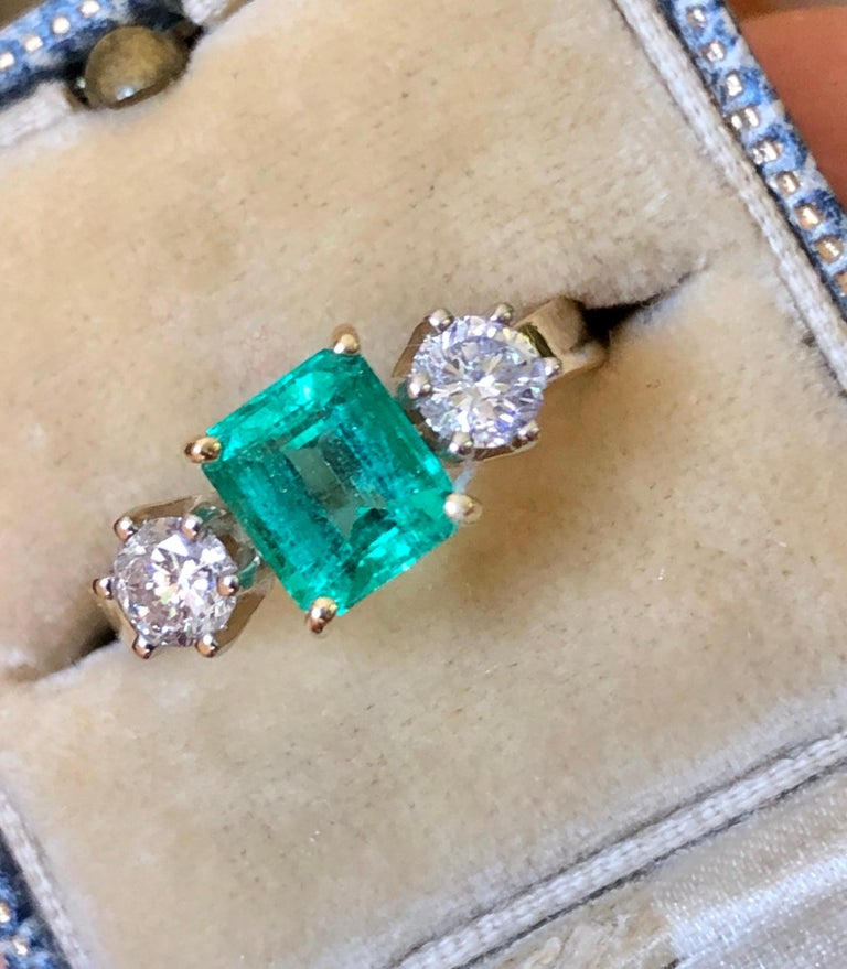 1.83 Carat Natural Colombian Emerald and Diamond Three-Stone Ring 18 Karat For Sale 2