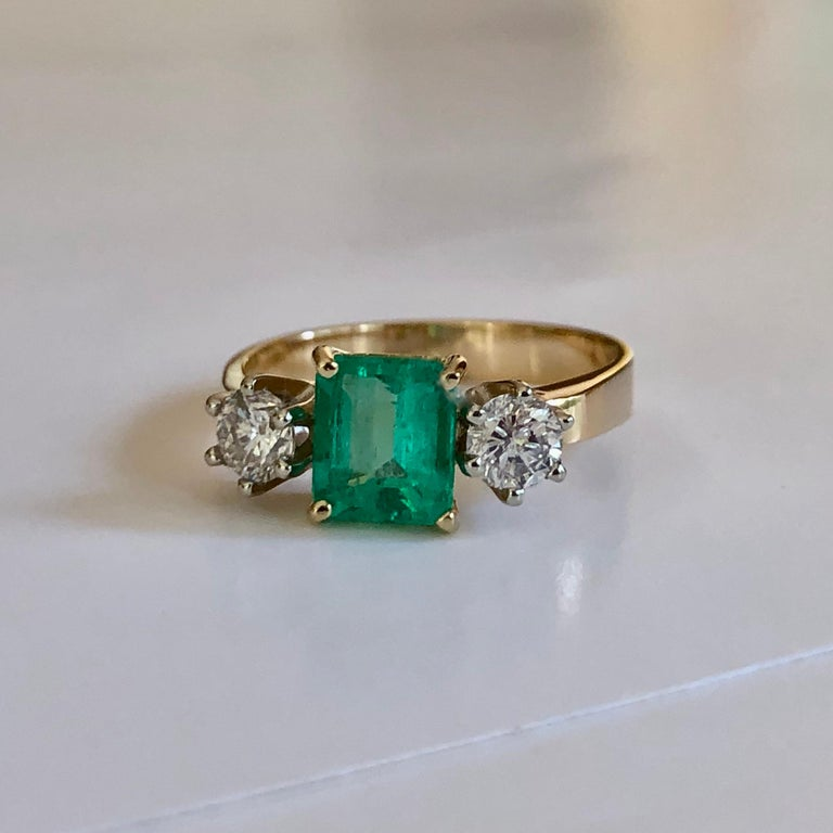 1.83 Carat Natural Colombian Emerald and Diamond Three-Stone Ring 18 Karat For Sale 3