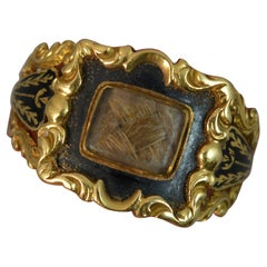 1832 William 18 Carat Gold and Black Enamel Mourning Panel Ring