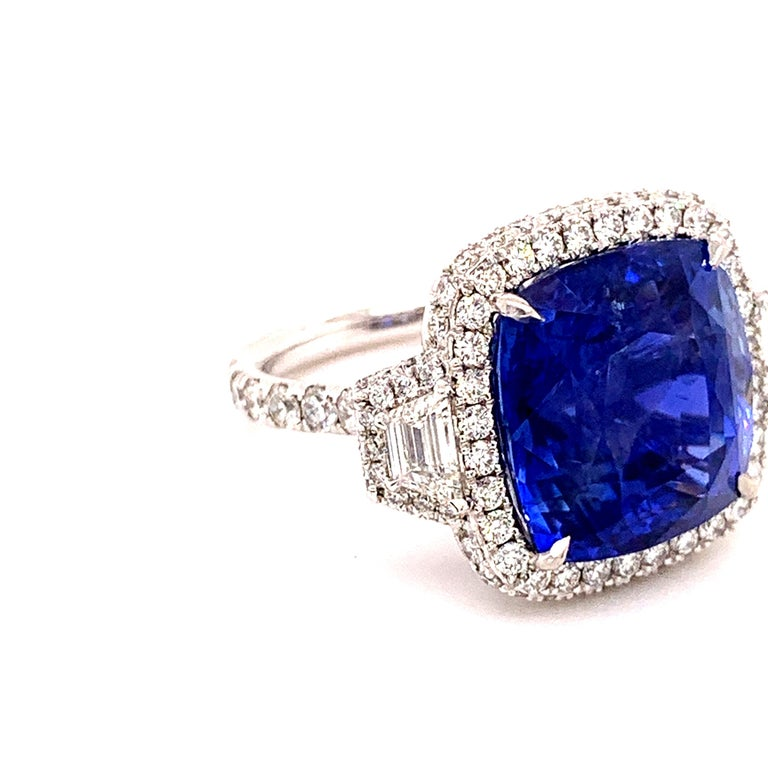 Contemporary 18.33 Carat Ceylon Unheated Sapphire Ring For Sale