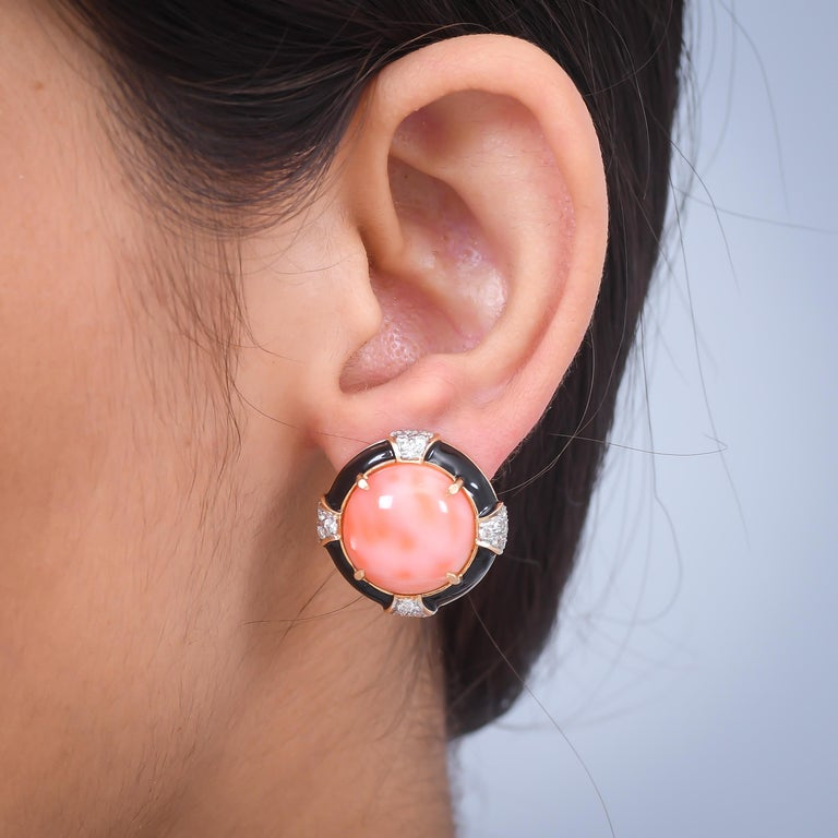 Round Cut 18.37 Carat Coral Diamond Black Enamel 18 Karat Yellow Gold Earrings For Sale