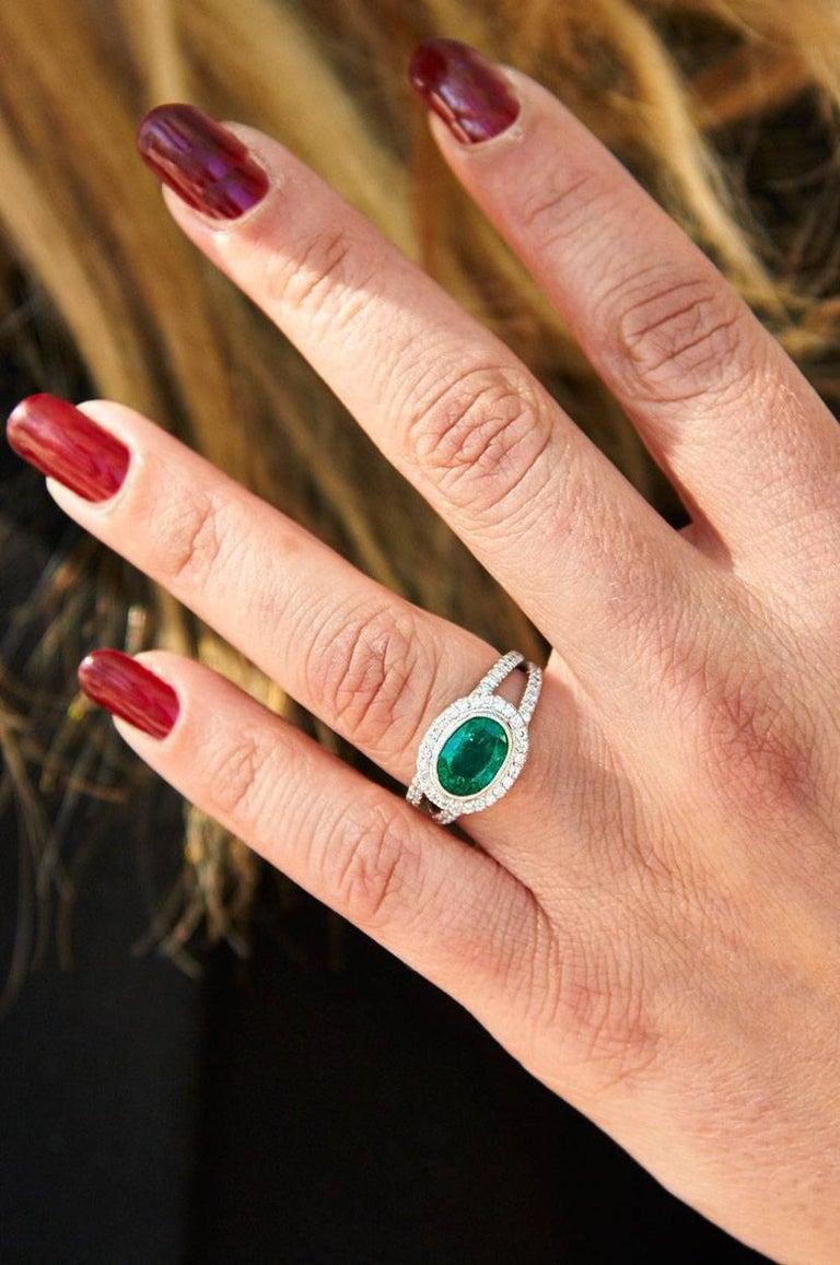 1.84 Carat Zambian Emerald Diamond Palladium Cocktail Ring For Sale 1