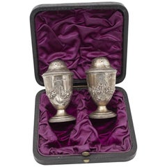 1840 Silver Retrò Salt and Pepper English Set in Silver