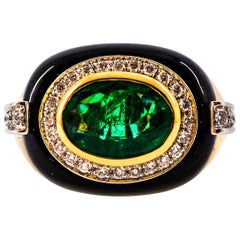 1.85 Carat Emerald 0.40 Carat White Diamond Onyx Yellow Gold Cocktail Ring