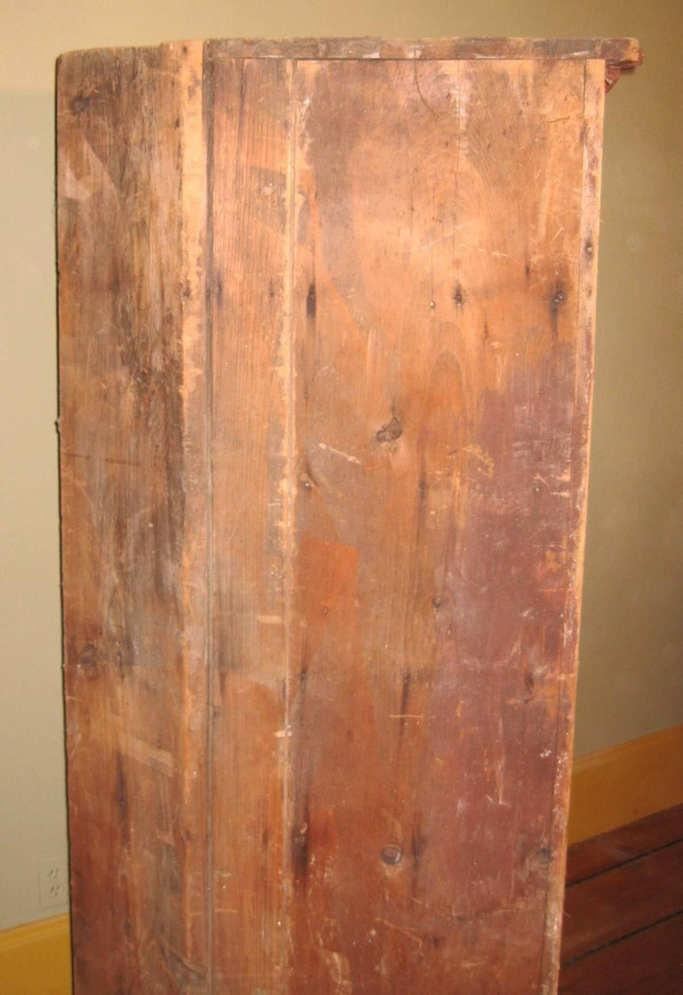 1850s Corner Cupboard Rustic Farm House Pine Cabinet For Sale 10