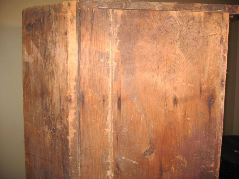 1850s Corner Cupboard Rustic Farm House Pine Cabinet For Sale 11